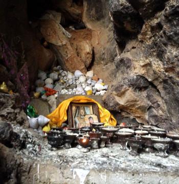 Пещеры — 17 апреля.(Универсальная Йога и буддистские практики. Непал)